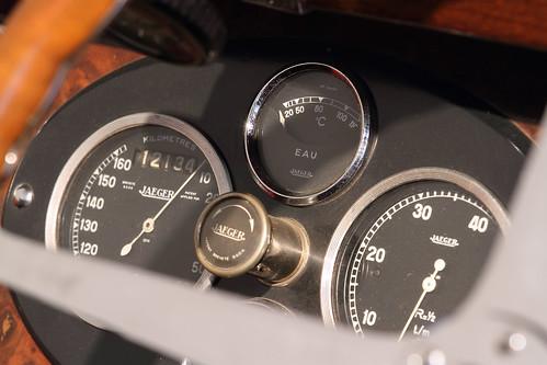 Bugatti Typ 44 Cabriolet dashboard