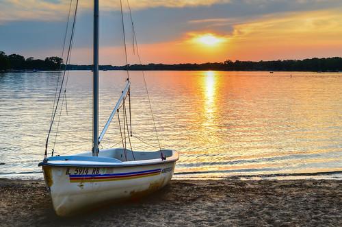 park sunset lake chicago illinois northwest suburb crystallake mainbeach