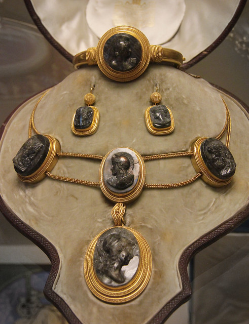 Set of gold labradorite cameo jewellery, London, 1869-79