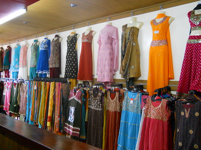 Clothing stores hiring 16 year olds. Women clothing stores