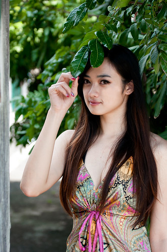 [フリー画像素材] 人物, 女性 - アジア, 人物 - 樹木, 台湾人 ID:201303222200