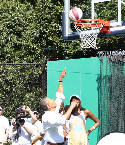 President Obama makes a lay-up