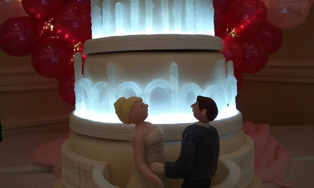 Bellagio Las Vegas Wedding Cake Apart from the lights and cake boards every
