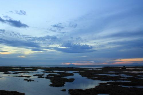Pemandangan Senja di Pantai Barat Jawa