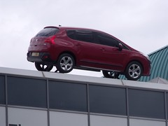 compact sport utility vehicle(0.0), nissan(0.0), automobile(1.0), automotive exterior(1.0), sport utility vehicle(1.0), family car(1.0), vehicle(1.0), peugeot 3008(1.0), crossover suv(1.0), city car(1.0), bumper(1.0), land vehicle(1.0), luxury vehicle(1.0),