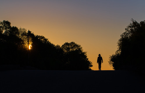 park morning light shadow sky woman sun color nature girl silhouette sunrise canon germany munich münchen bayern deutschland bavaria photography dawn early day colours walk westpark 6d