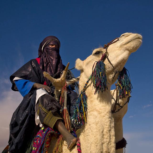 Tuareg in the desert - Ghadamis Libya | The Tuareg are a ...