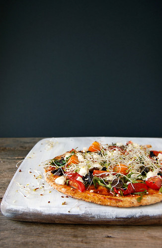 pita pizza by butterflyfoodie