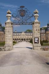 Pierre de Bresse entrance - Photo of La Chapelle-Saint-Sauveur