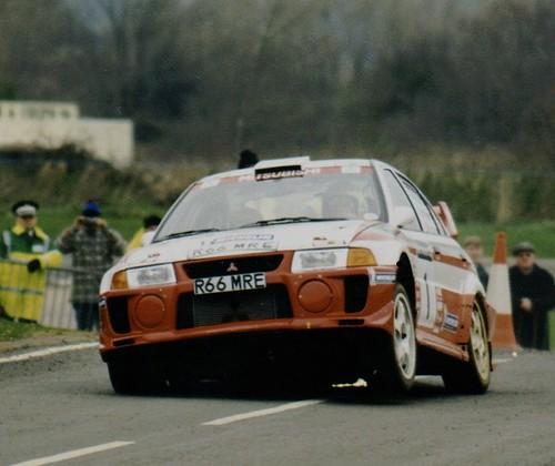 Tommi Makinen`s 3 wheeled Mitsubishi Lancer Evo  - RAC Rally GB 1998 - Millbrook Stage