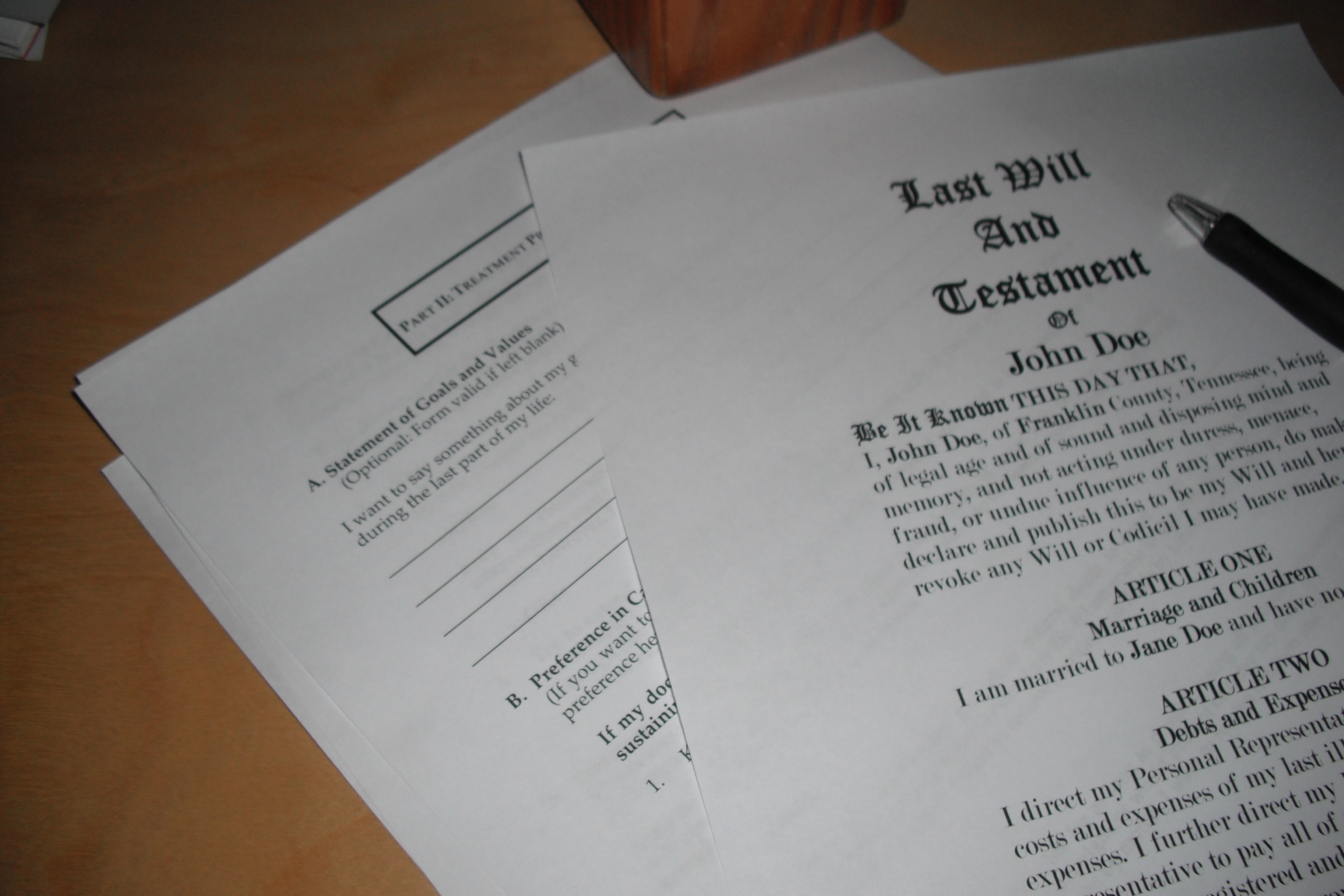 Do i need a lawyer to write a living will