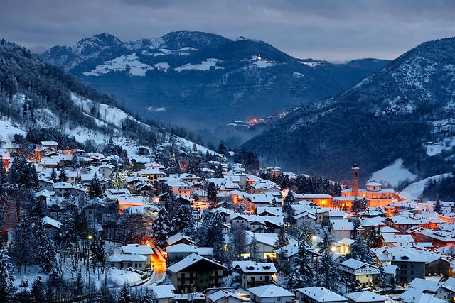 Winter evening in Serina