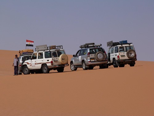 Coches de la Expedición Kamal en Egipto