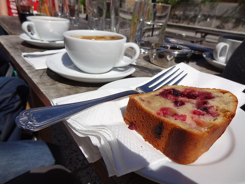 Coffees and cake, The Hackney Pearl