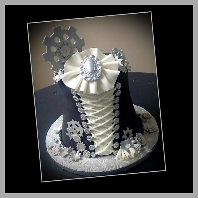 Cake by Nachelle's Cakes