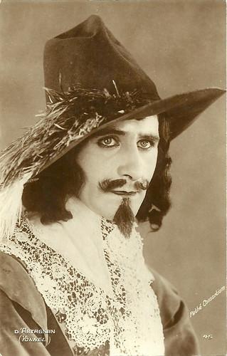 Jean Yonnel as D'Artagnan in Vingt ans après