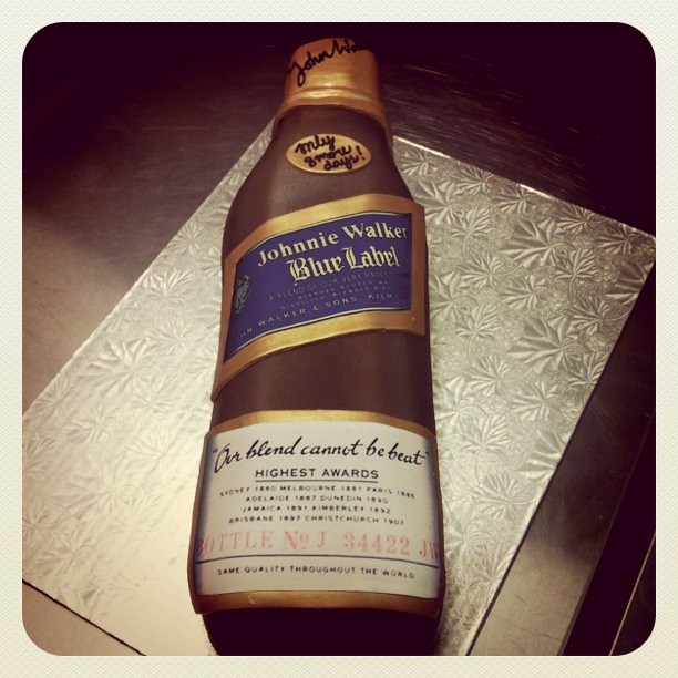 Johnnie Walker Blue Label Cake http://www.flickr.com/photos/polkadotsaustin/5623895727/