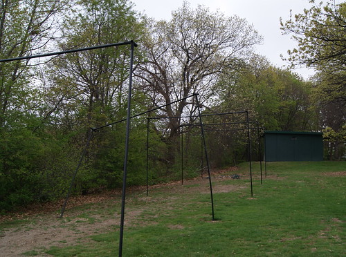 Bent batting cage