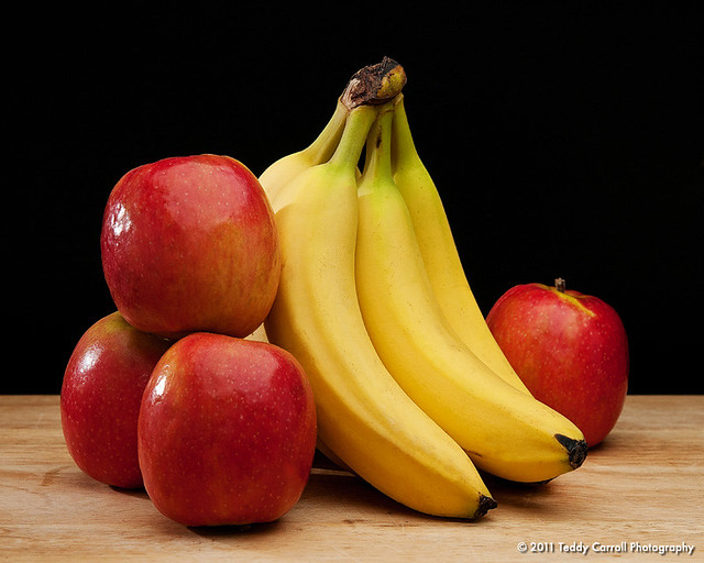 apples and bananas Raffi - apples and bananas (live) lyrics i like to eat, eat, eat apples and bananas i like to eat, eat, eat apples and bananas i like to ate, ate, ate ay-ples and ba.