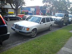 automobile, automotive exterior, vehicle, mercedes-benz w124, full-size car, sedan, land vehicle, luxury vehicle,