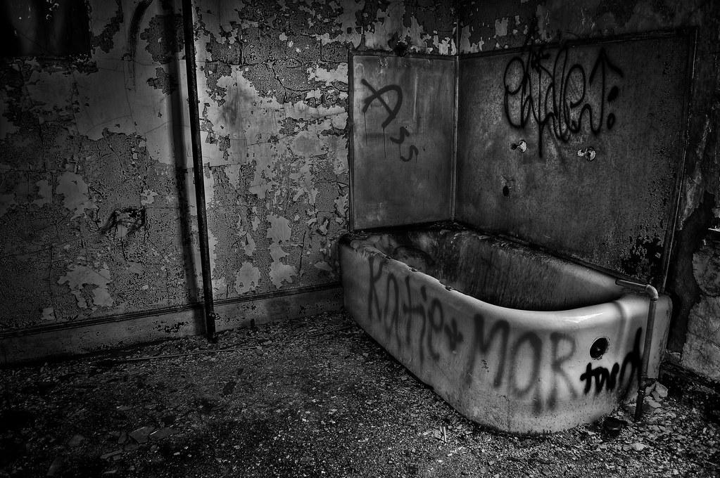 Bath Tub Chip Repair