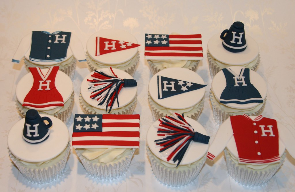 Cake Designs Usa : Coolest Cake Ideas: USA themed cheerleader cupcakes