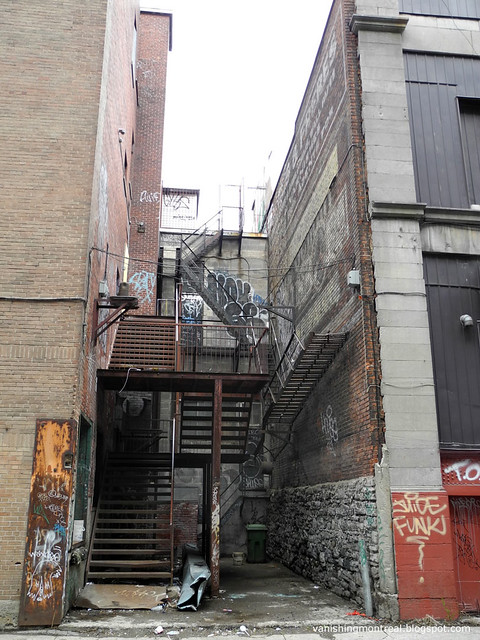 Rue St-Laurent behind 3