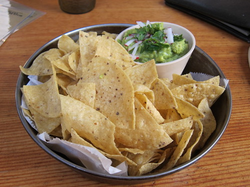 Big Star guacamole and chips