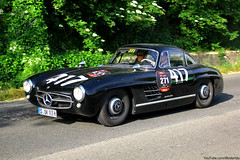 mercedes-benz 190sl(0.0), race car(1.0), automobile(1.0), automotive exterior(1.0), vehicle(1.0), performance car(1.0), automotive design(1.0), mercedes-benz(1.0), mercedes-benz 300sl(1.0), antique car(1.0), classic car(1.0), vintage car(1.0), land vehicle(1.0), sports car(1.0),