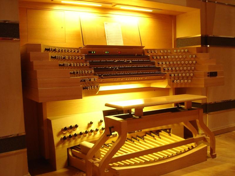 Symphony hall organ