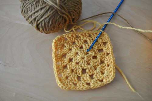 granny square - yellows