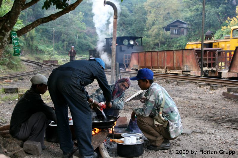 http://farm6.staticflickr.com/5112/7434454922_e18636e807_b.jpg