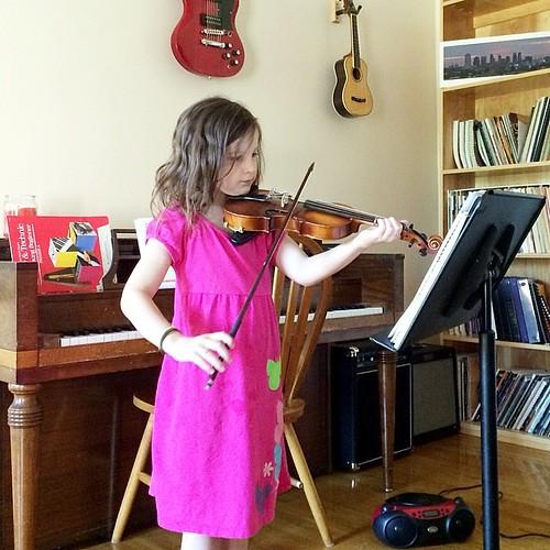 9:05 : recital practice. #ditl #dayinthelife