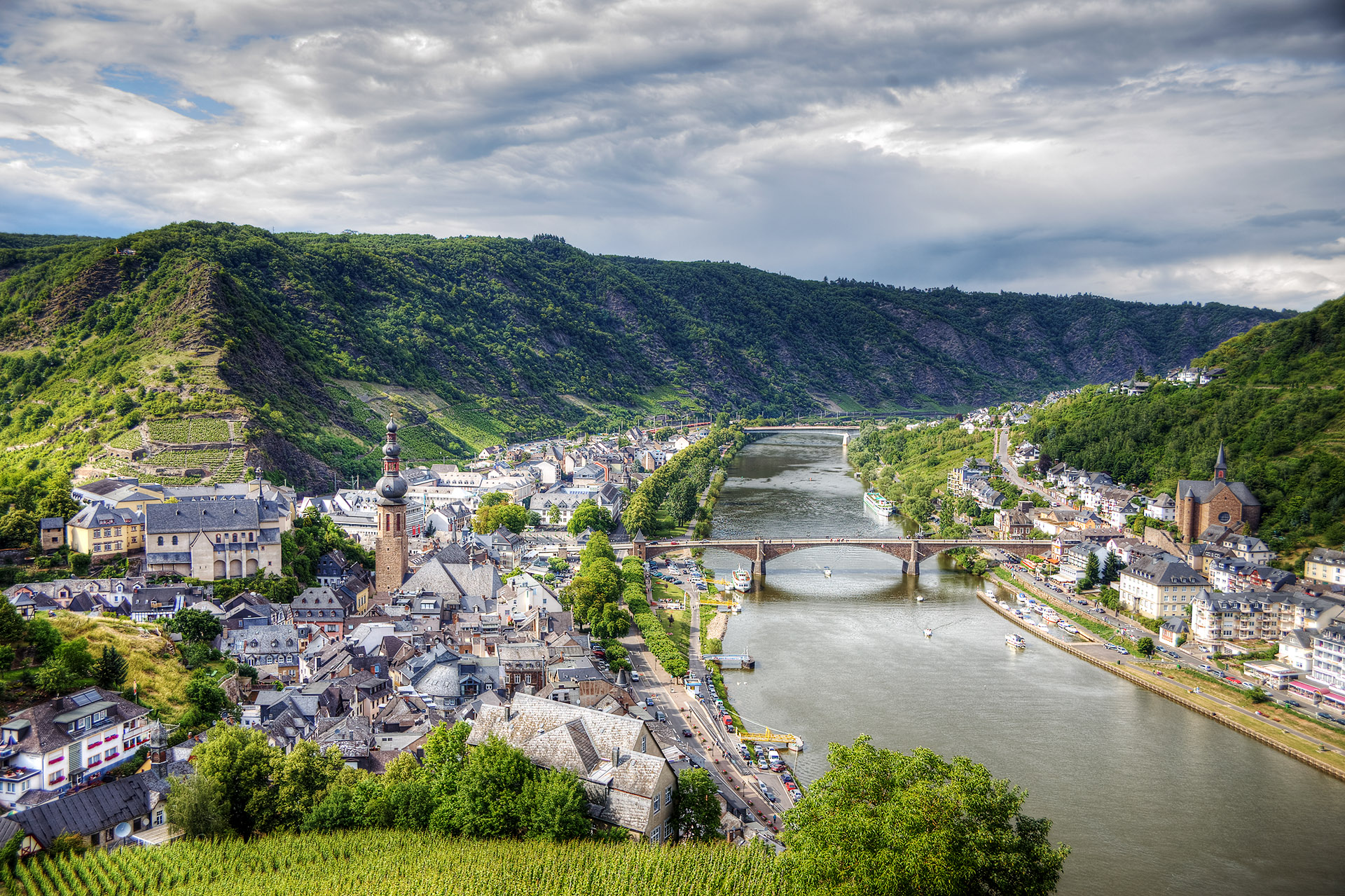 View from the parapet of Reichsburg Castle looking over Cochem, Germany.