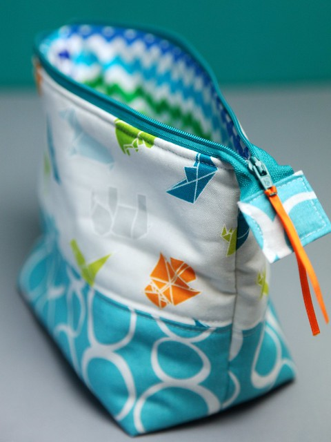Origami open wide zip pouch