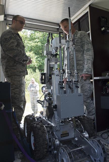 52nd CES Explosive Ordnance Disposal