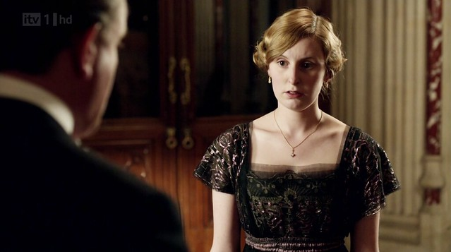 DowntonAbbeyS02E04_Edithblackgown