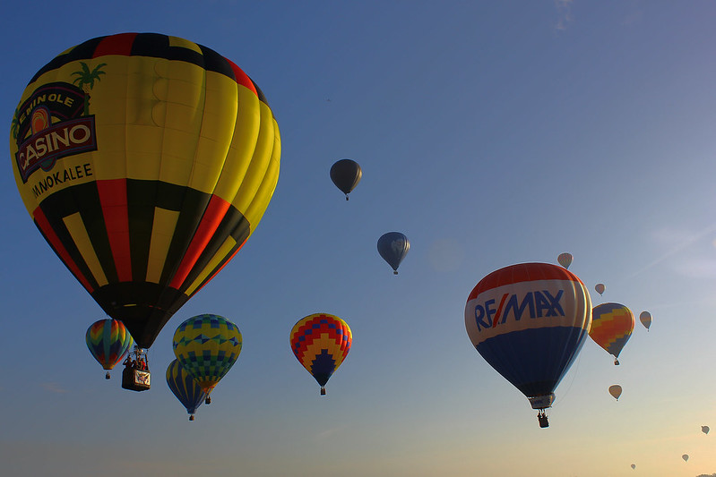 More mass balloon departure - Sun n Fun 2014