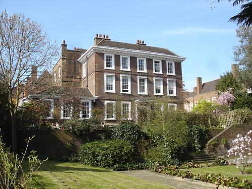 Fleet River Walk - Burgh House, Hampstead