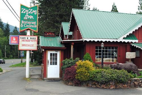Zigzag Inn