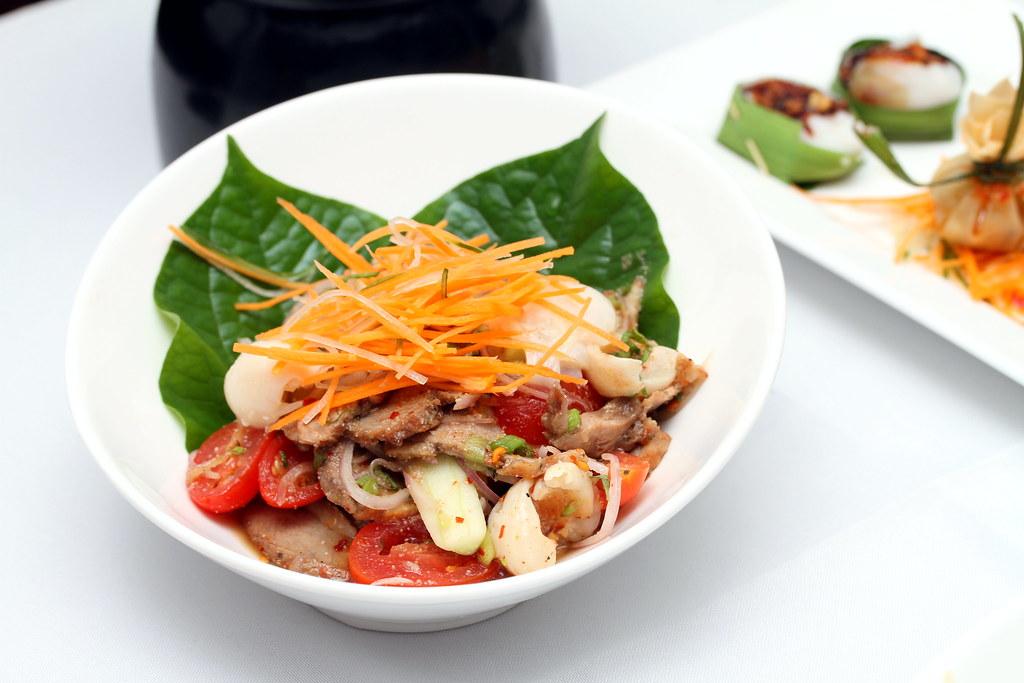 Tamarind Hill Restaurant: Lychee Duck Salad
