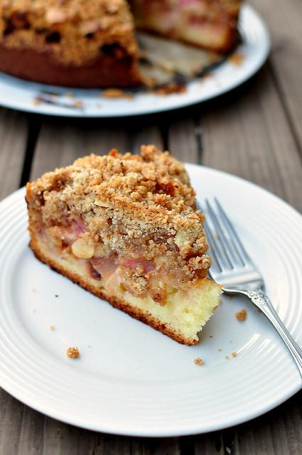 Fergus Henderson's Rhubarb Crumble Cake