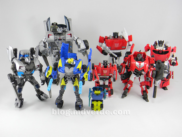 Transformers Sideswipe Deluxe - Generations Fall of Cybertron Edition - modo robot vs otros Sideswipe