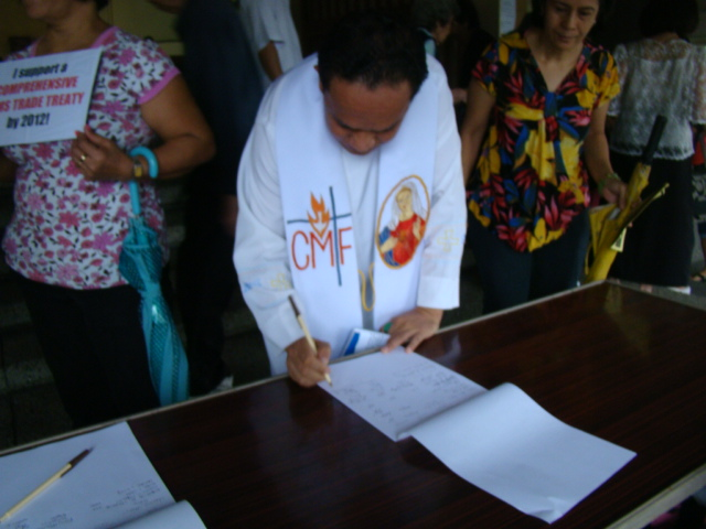 Week of Action Against Gun Violence 2011 - Philippines_PhilANCA_Engaging the Religious-Petition Signing