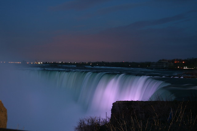 Beautiful Niagara Falls at Night!