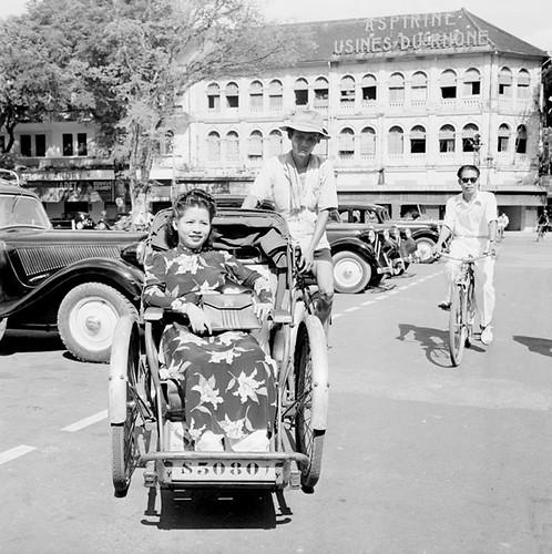 Saigon 1950 - phía trước nhà hát TP