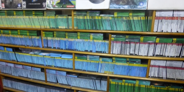 Copied video games and DVDs for sale at Galerie 7 in Tunis. Image credit: Bilel Sfaxi, Tunisia Live