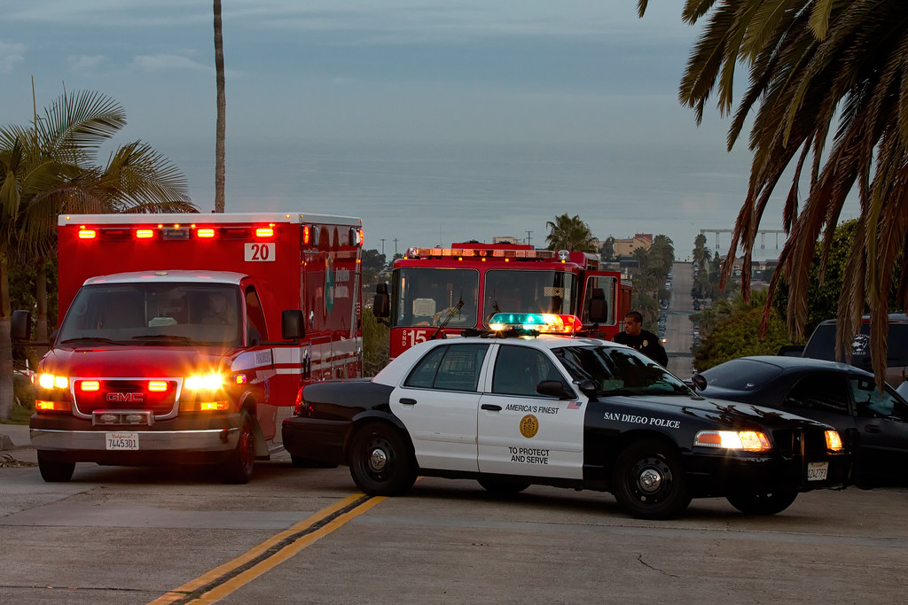 San Diego Fire and Police | Traffic accident in OB | Flickr