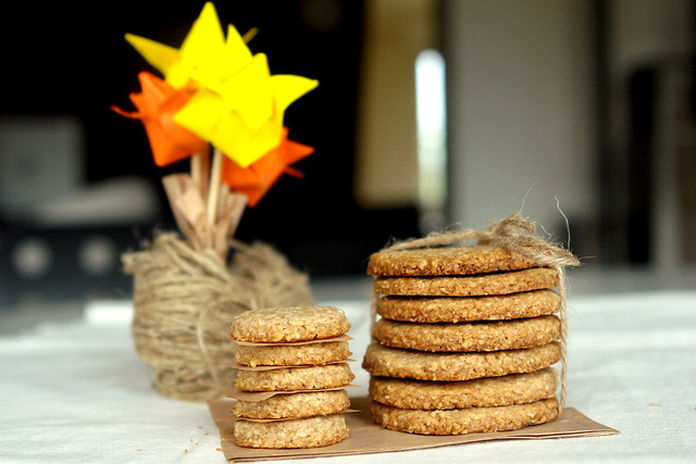 7087127945 c26a9c89f3 z Biscuiti digestivi   Homemade Digestive Biscuits