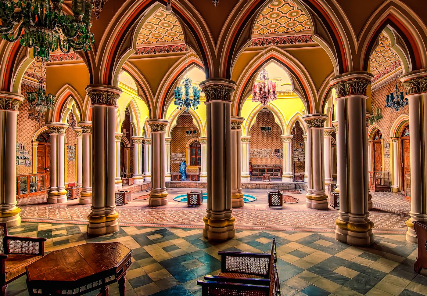 Courtyard of the Majaraja's Palace - Bangalore India ...